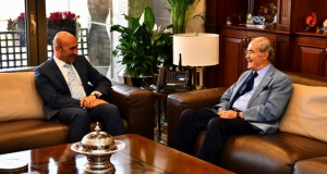 Büyükerşen'den Başkan Tunç Soyer'e tebrik ziyareti