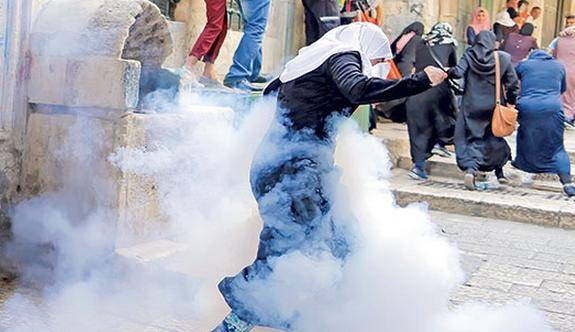 İsrail'den Mescid-i Aksa'ya baskın: En az 20 yaralı