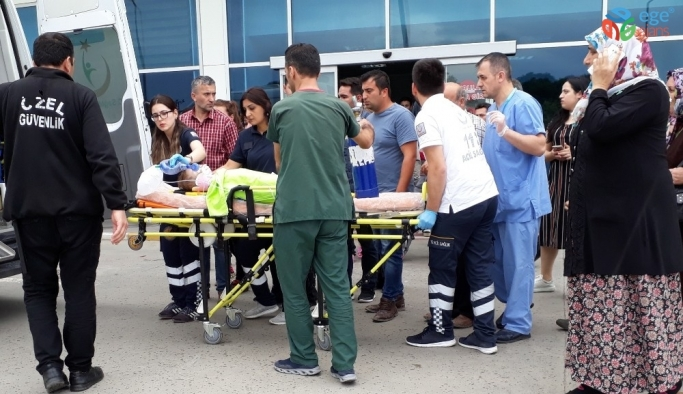 3. katın balkonundan düşen küçük çocuk ağır yaralandı