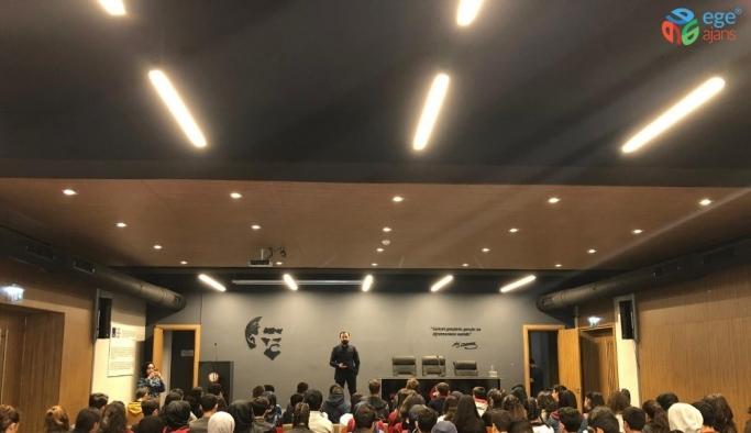 Baro Başkanı Aktürk, Erzincan Lisesi öğrencileriyle Kariyer Söyleşi Programında bir araya geldi