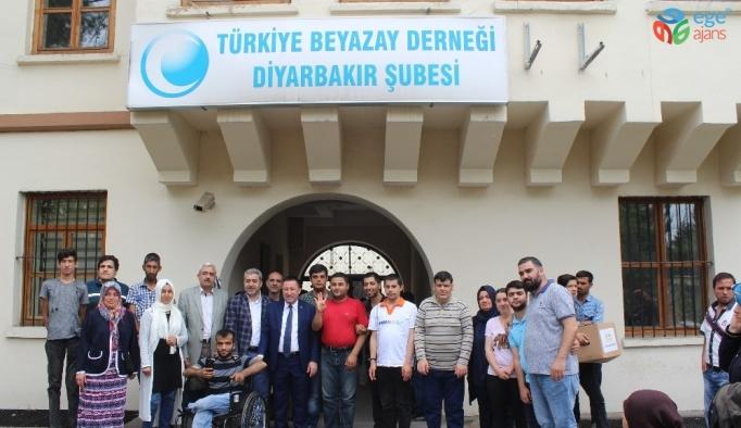 Başkan Beyoğlu'ndan engelli vatandaşlara gıda yardımı
