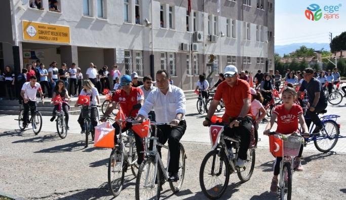 Başkan Dutlulu öğrencilerle birlikte pedal çevirdi