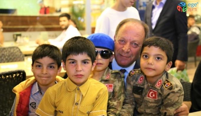 Başkan Oprukçu'dan çocuk evlerine ziyaret
