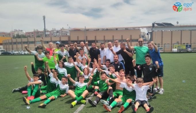 Manisa Büyükşehir Belediyespor U14 takımı en iyi 22 arasında