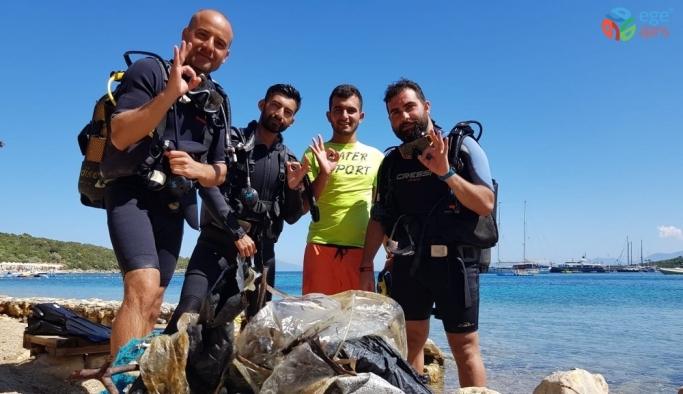 Yalıçiftlik'te deniz dibi temizliği