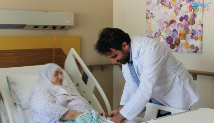 70 yaşındaki hasta, tümör protezi operasyonu ile sağlığına kavuştu