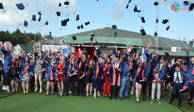 92 lise öğrencisi mezuniyet sevinci yaşadı