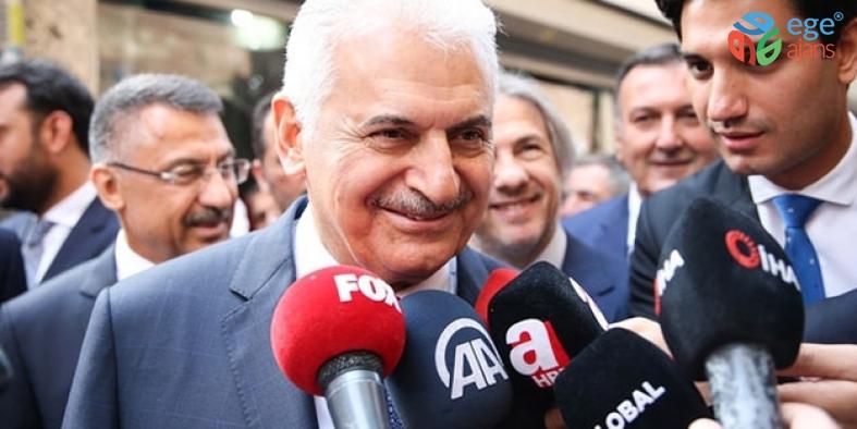 AK Parti İstanbul Büyükşehir Belediye Başkan Adayı Binali Yıldırım , Tuzla'da Cuma namazı çıkışında basın mensuplarının sorularını cevapladı