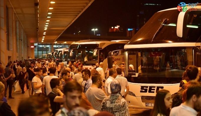 Ankara Büyükşehirden yoğunluğun yaşandığı noktalarda temizlik seferberliği