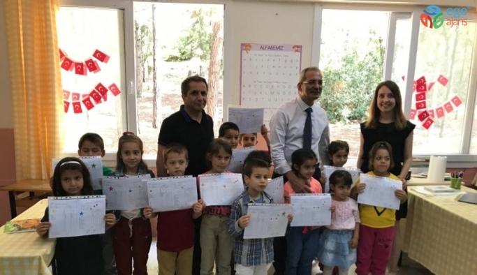 Başkan Bozdoğan, öğrencilerin karne heyecanına ortak oldu