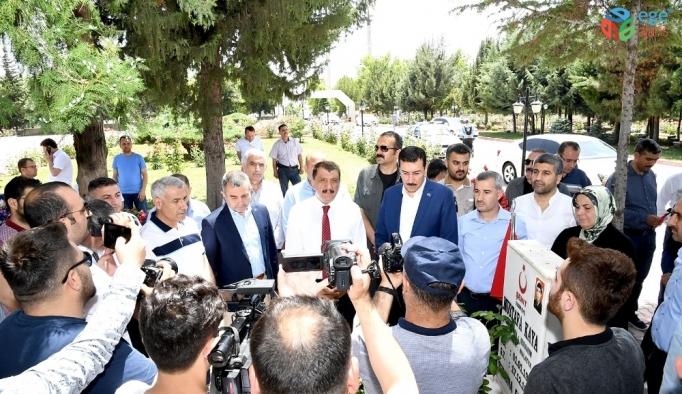 Başkan Gürkan huzurevini ve sevgi evlerini ziyaret