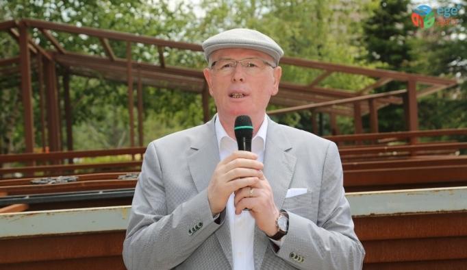Başkan Kazım Kurt, Park Bahçeler işçileriyle bayramlaştı