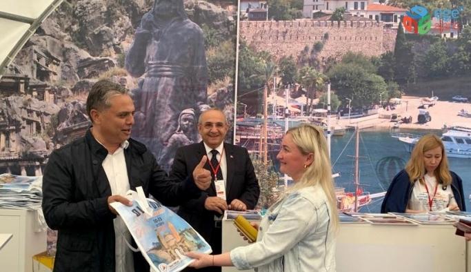 Başkan Uysal Moskova'da Kaleiçi'ni tanıttı
