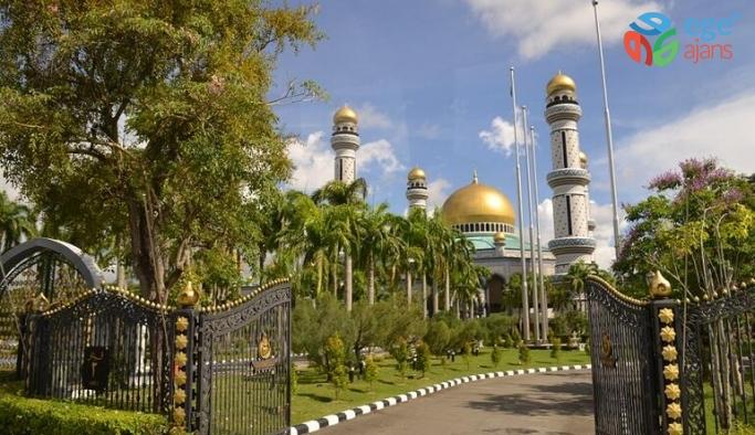 Brunei Sarayı'na 3 gün içinde 100 bin ziyaret