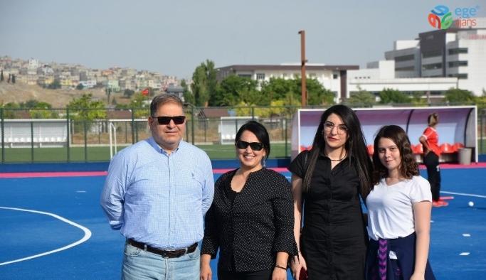 Gazişehir Kadın taraftarlardan Polisgücü'ne tam destek