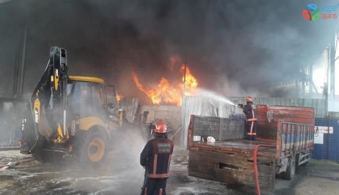Geri dönüşüm tesisinde çıkan yangın 5 saat sonra kontrol altına alındı