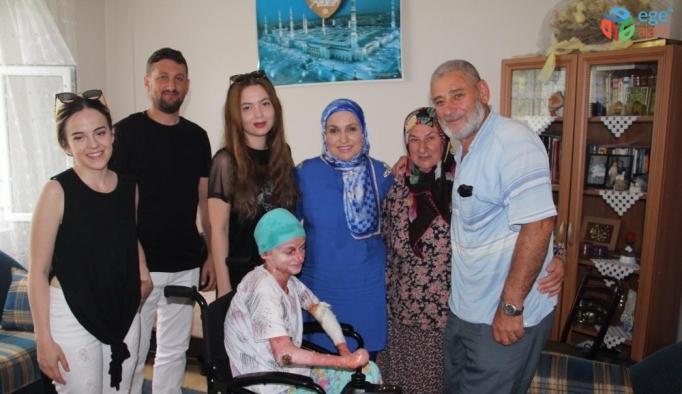 Kelebek hastalığıyla mücadele eden Elif akülü arabasına kavuştu