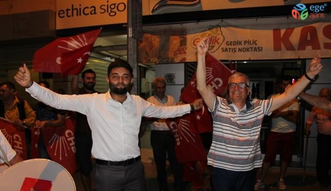 Kula CHP'den İstanbul için coşkulu kutlama
