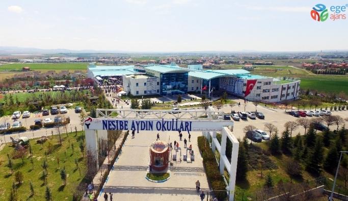 Nesibe Aydın Okulları öğrencisinden Türkiye'ye altın madalya