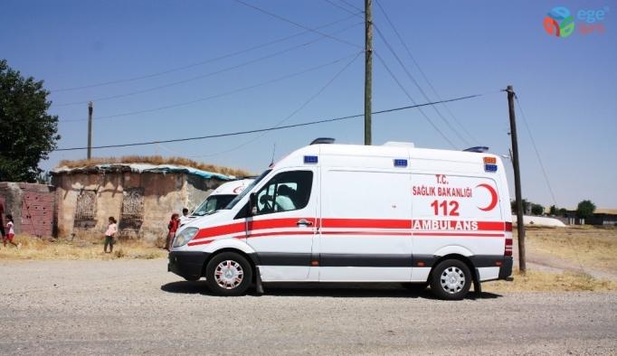 Saman yüklü kamyon işçilerin üzerine devrildi: 7 yaralı