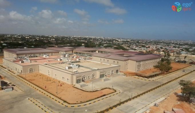 Somali'deki Recep Tayyip Erdoğan Eğitim ve Araştırma Hastanesi 737 personel sayısına ulaştı