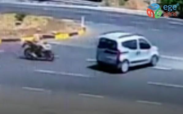 Trafik kazası güvenlik kamerasına yansıdı