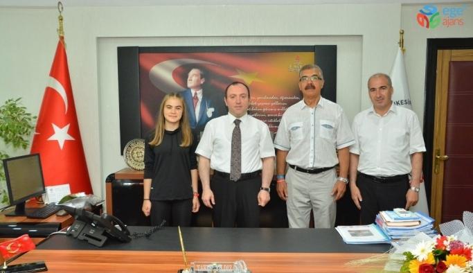 Türkiye şampiyonundan Milli Eğitim Müdürüne ziyaret