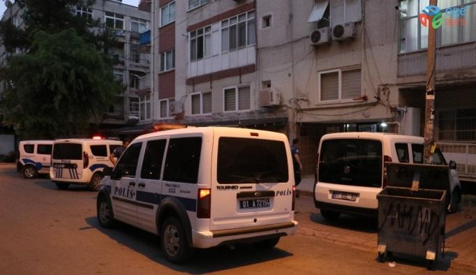 Adana'da bir kişi annesini tabanca ile vurarak ağır yaraladı