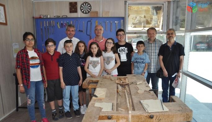Afyonkarahisar'da ortaokul öğrencilerine yönelik 'Tasarım Beceri Atölyesi' açıldı