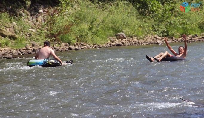 Aksu Deresi'nde şambrel rafting heyecanı