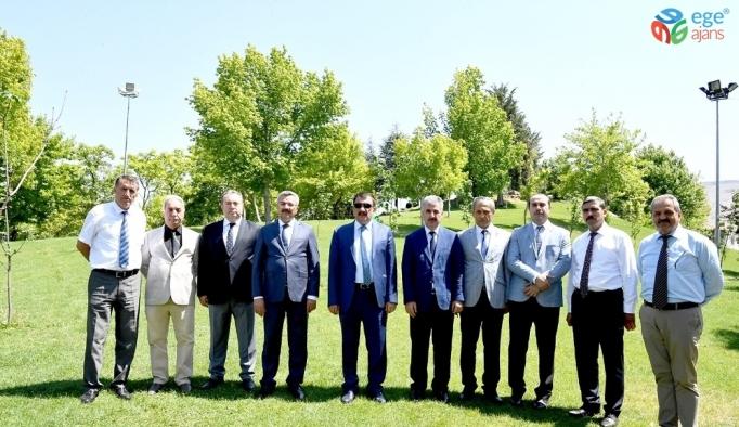 Başkan Gürkan fuar alanında incelemelerde bulundu