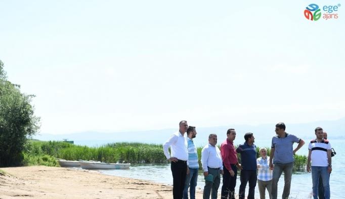 Başkan Kocaman Eşme sahilinde çalışmaları inceledi