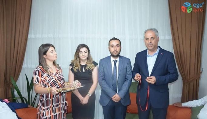Başkan Yaman, genç çiftin mutluluğuna ortak oldu
