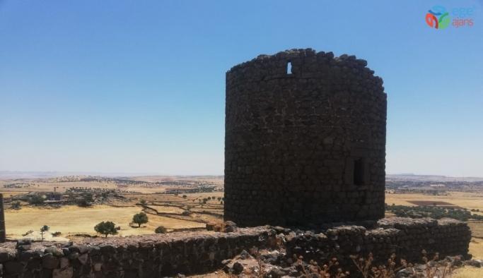 Bizans döneminden kalma kale ahır olarak kullanılıyor