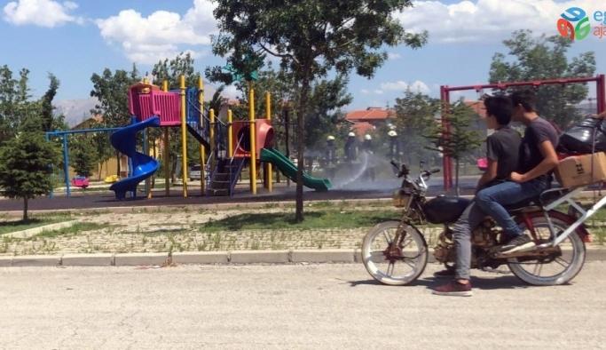 Çocuk parkında korkutan yangın