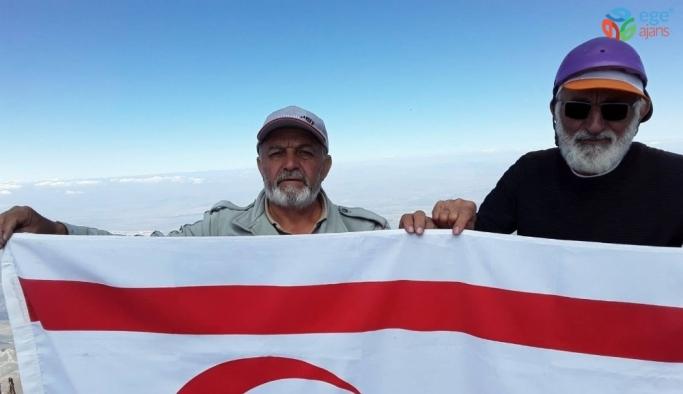 Dağcılar Kıbrıs Barış Harekatı Yıl Dönümünde Erciyes'e Tırmandı