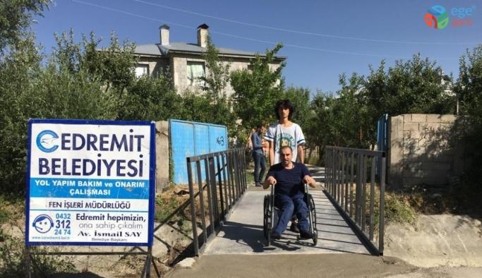 Edremit Belediyesi engelleri kaldırıyor