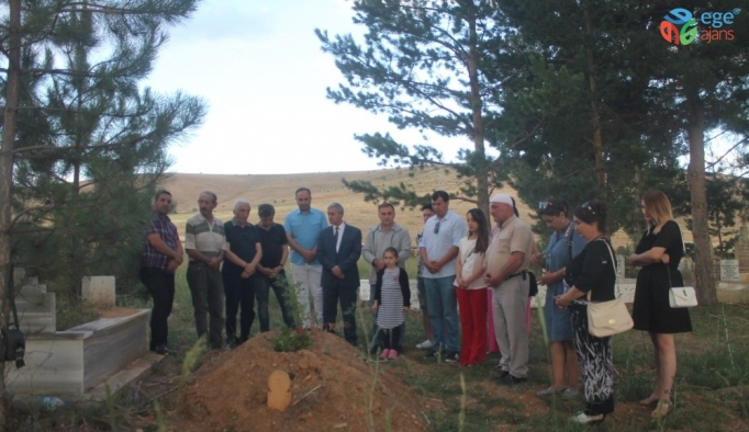 Gazeteci Abdulkadir Nişancı mezarı başında anıldı