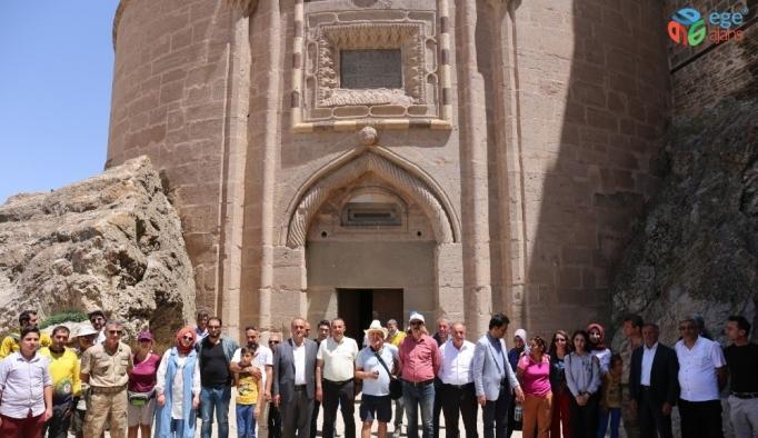 Gönül elçileri Gürpınar'ı gezdi