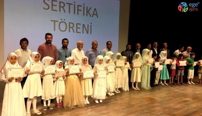 Hayrat Vakfı ve Tügva'nın Yaz Okulu kapanış programı düzenlendi