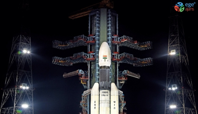 Hindistan, ikinci Ay misyonunu yeniden başlattı