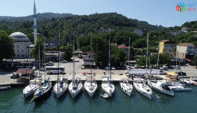 İstanbul'dan Gürcistan'a yelkenler fora