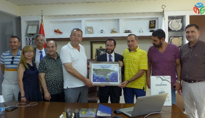 İtalya'nın İzmir Konsolosu, Kuşadası Ticaret Odası'nı ziyaret etti