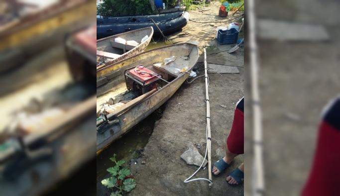 Jeneratörle balık avlayan 2 kişi yakalandı