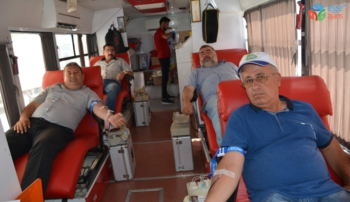 Korkuteli'nde kan bağışı standı açıldı