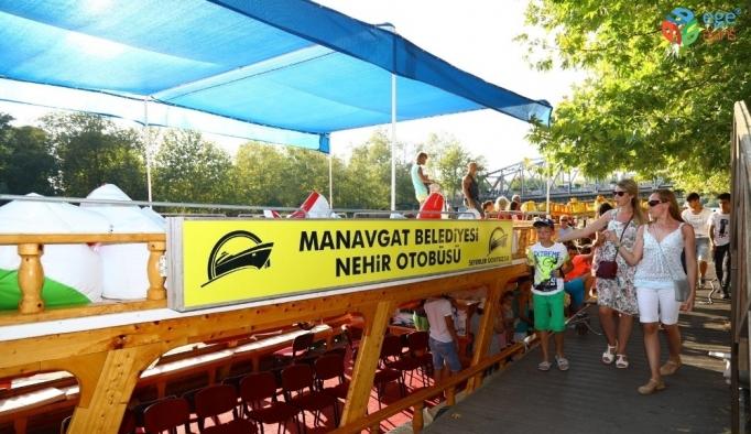 Manavgat Belediyesi'nden ücretsiz nehir otobüsü seferi