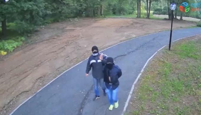 Mobese kameralarını çalmak isteyen hırsızlar mobeselere yakalandı