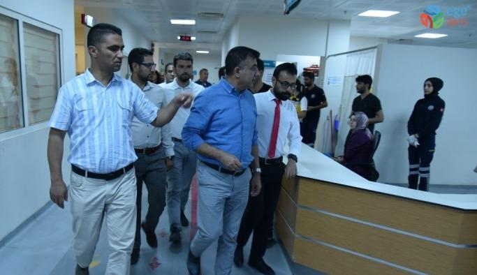 Müdür Sünnetçioğlu'ndan Erciş Devlet Hastanesine ziyaret