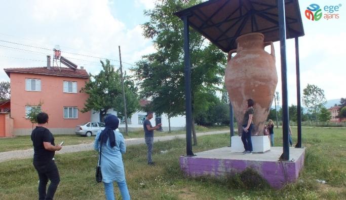 Pazaryeri'nin Çömlekçi köyüne ziyaretçi akını