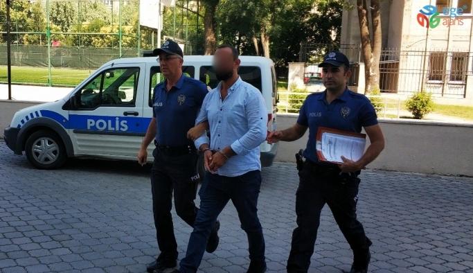 Polise bıçak çeken şahıs gözaltına alındı